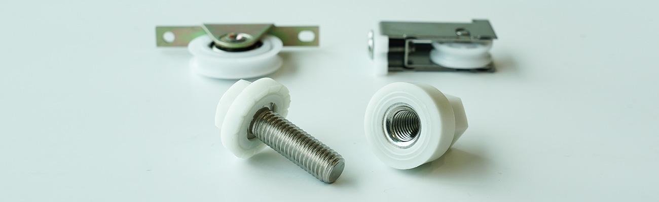 プラスチックと金属との複合製品製作