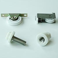 プラスチックと金属の複合製品製作